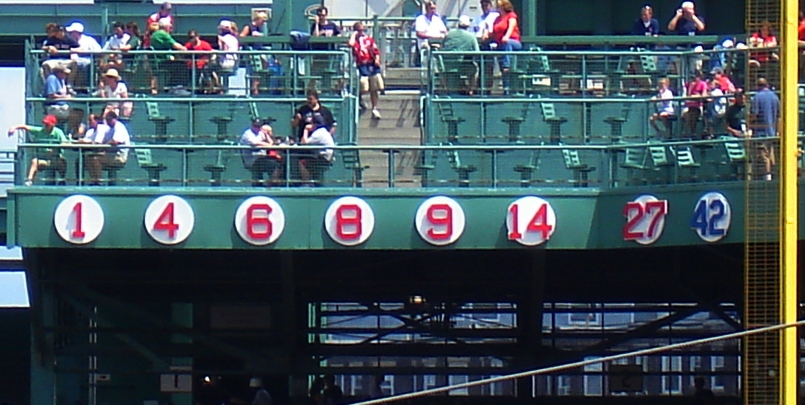 Fenway_retired_numbers_2009.jpg